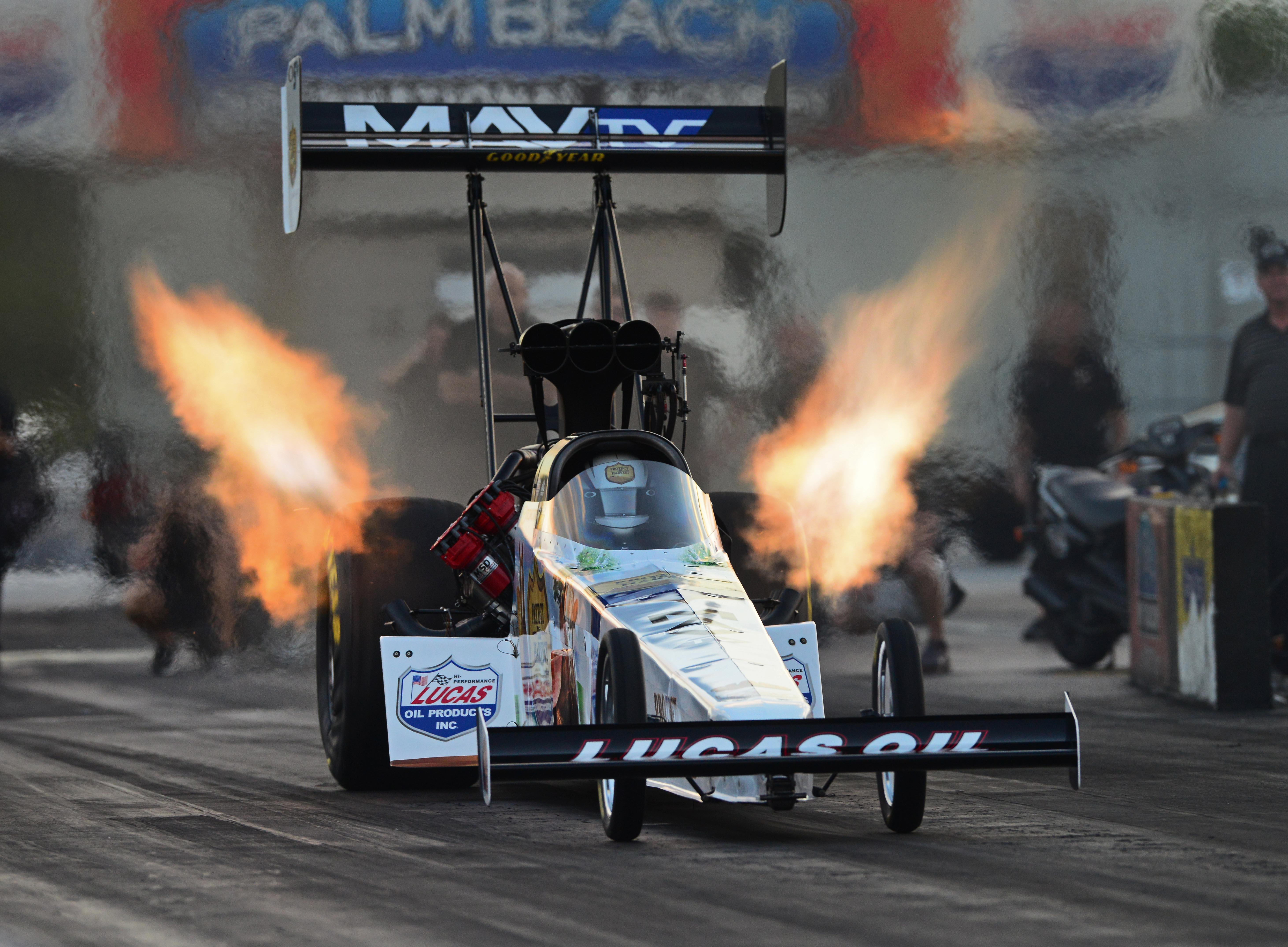 Top fuel dragster nhra drag racing race hot rod rods j for Wallpaper drag race motor