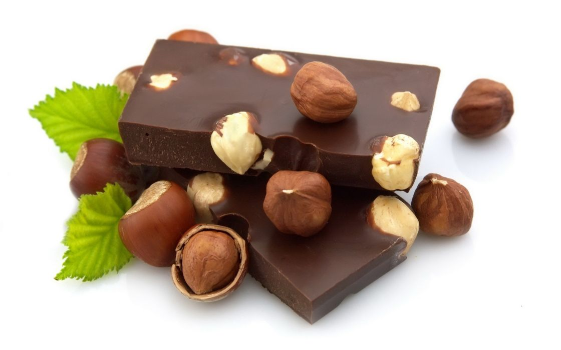Chocolate Hazelnuts wallpaper