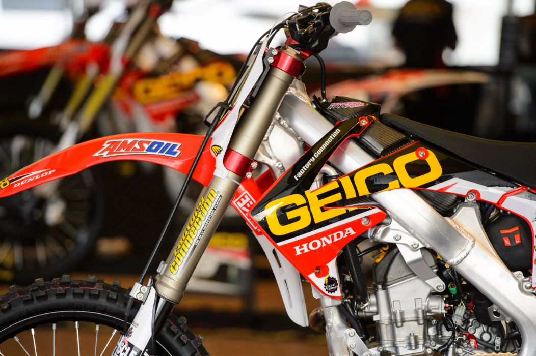 dirtbike moto motocross race racing motorbike honda  d wallpaper