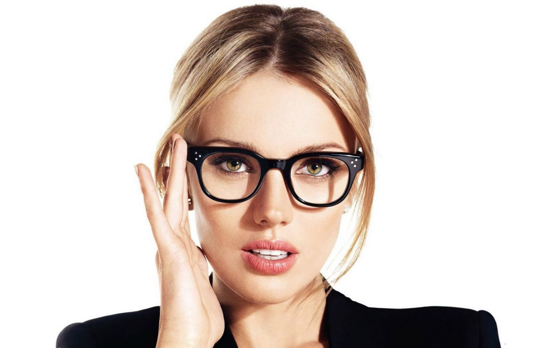 Girl Woman Bar Paly Fashion Model Blonde Glasses Beauty wallpaper