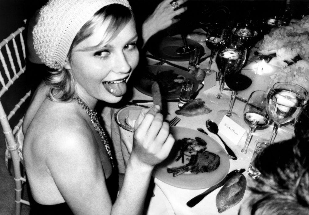 Kirsten Dunst actress blonde    gs wallpaper