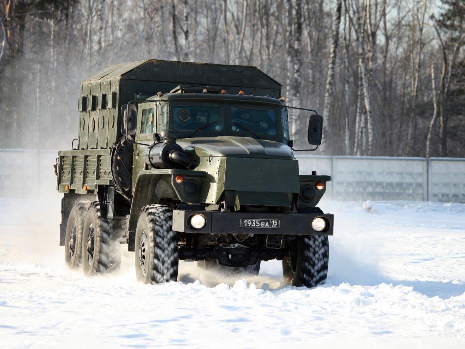 2000 Ural 4320 military russian 6x6  f wallpaper