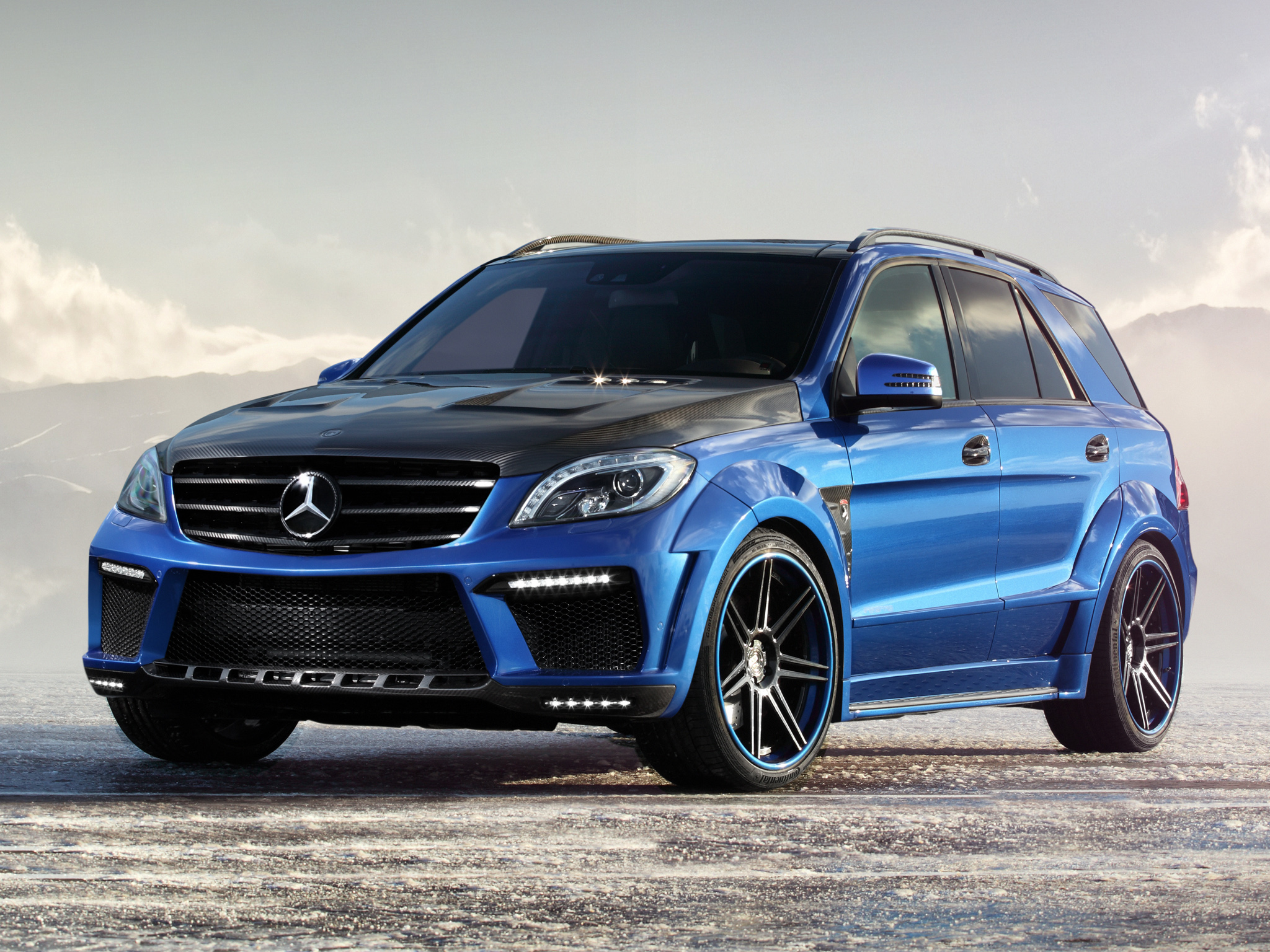 Mercedes benz suv wallpaper in blue for Blue mercedes benz