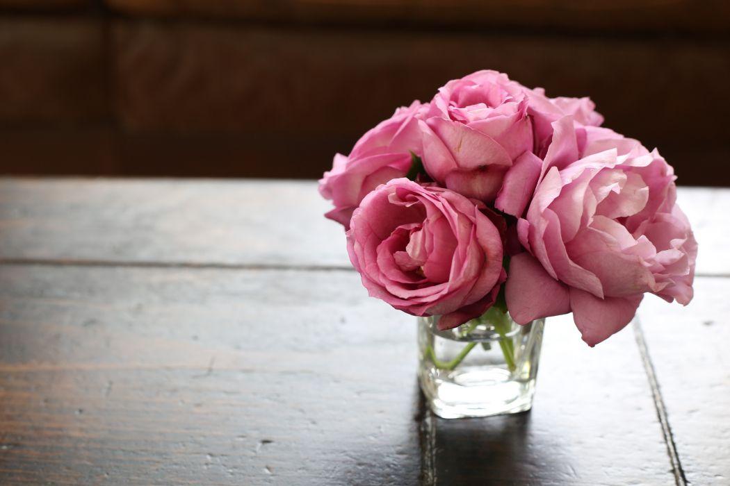 bouquet vase roses wallpaper