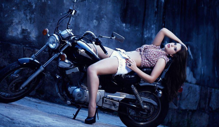 Yamaha Virago motorcycle Andressa sexy wallpaper