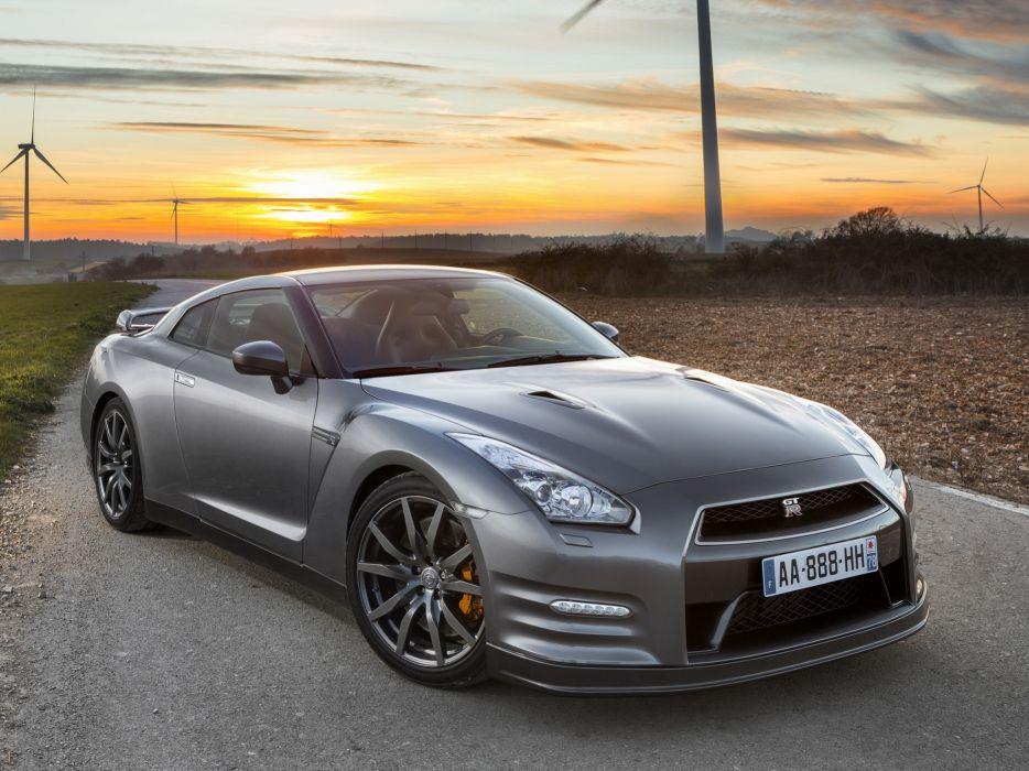 2012 Nissan Gt R Premium Edition R35 Supercar Wallpaper 2048x1536