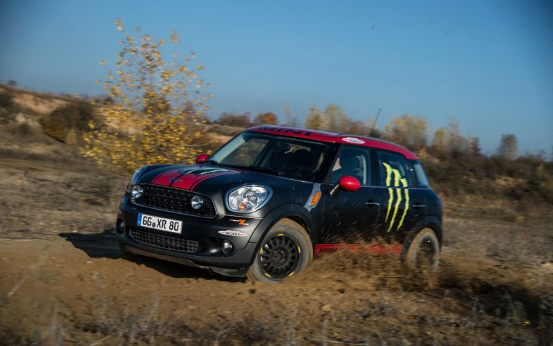 2013 Mini Countryman X-raid Service Vehicle race racing fs wallpaper