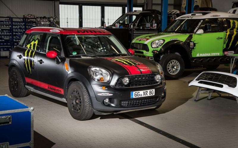2013 Mini Countryman X-raid Service Vehicle race racing a wallpaper