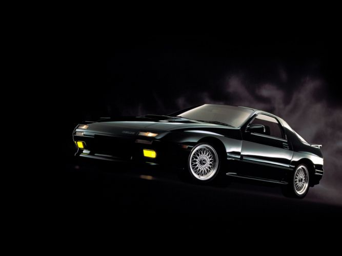 1985 Mazda RX-7 wallpaper