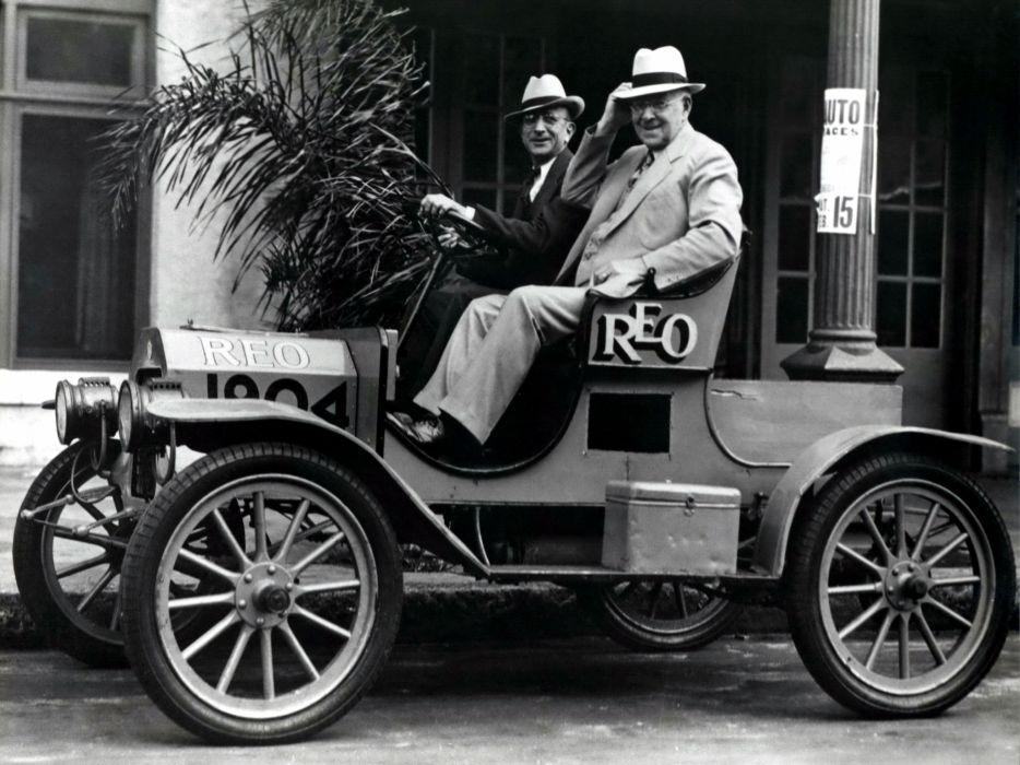 1904 REO First Car retro   g wallpaper