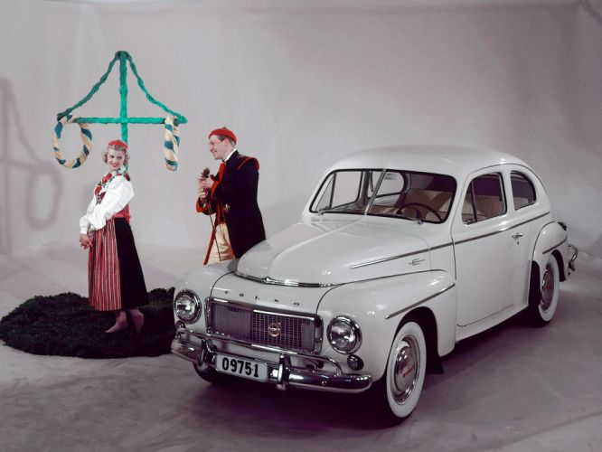 1955 Volvo PV444 KS US-spec retro wallpaper