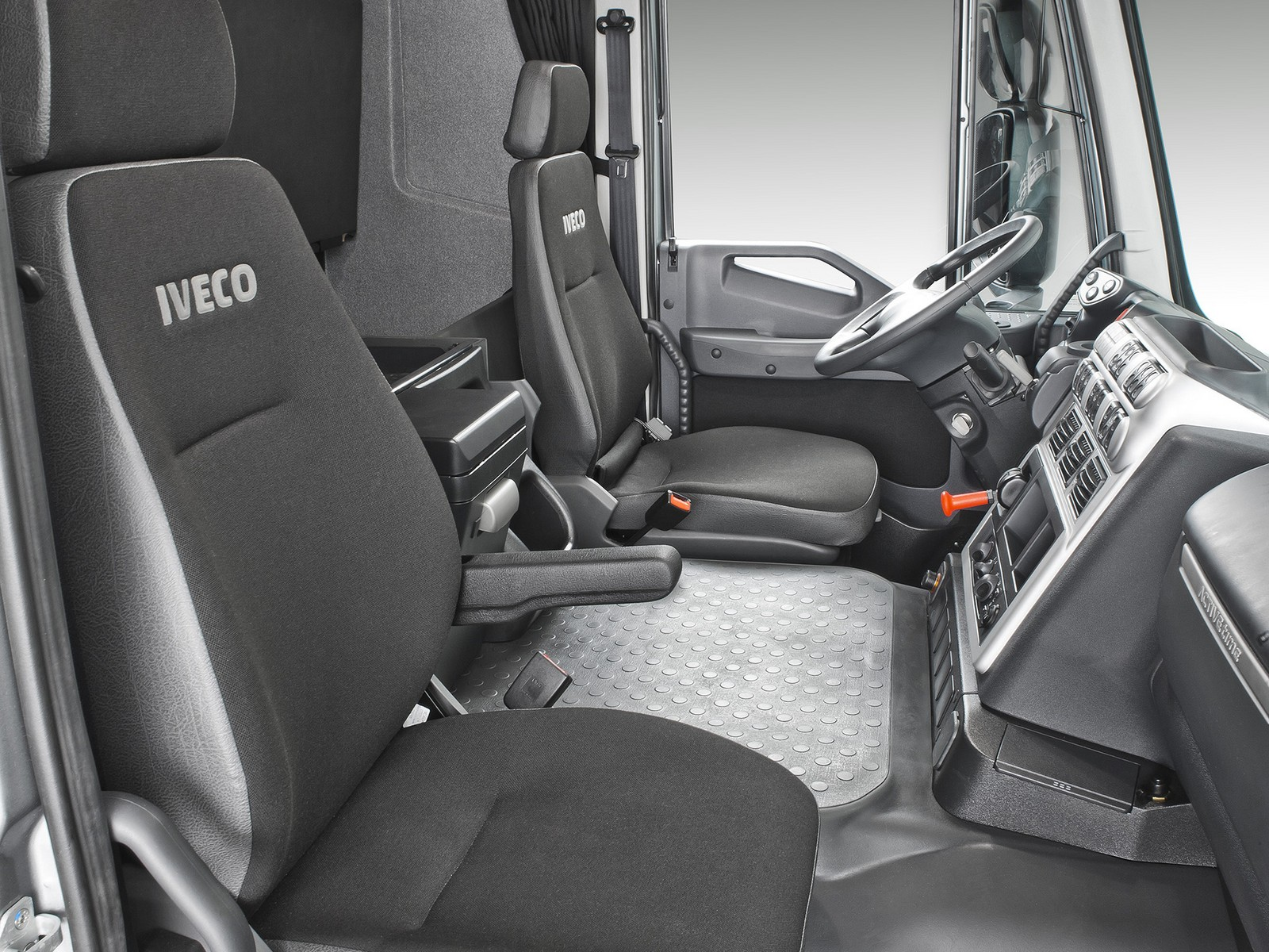 2012 Iveco Stralis 440 6x4 AT BR-spec semi tractor interior g