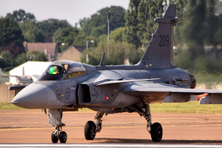 fighter jet military Saab Gripen h wallpaper