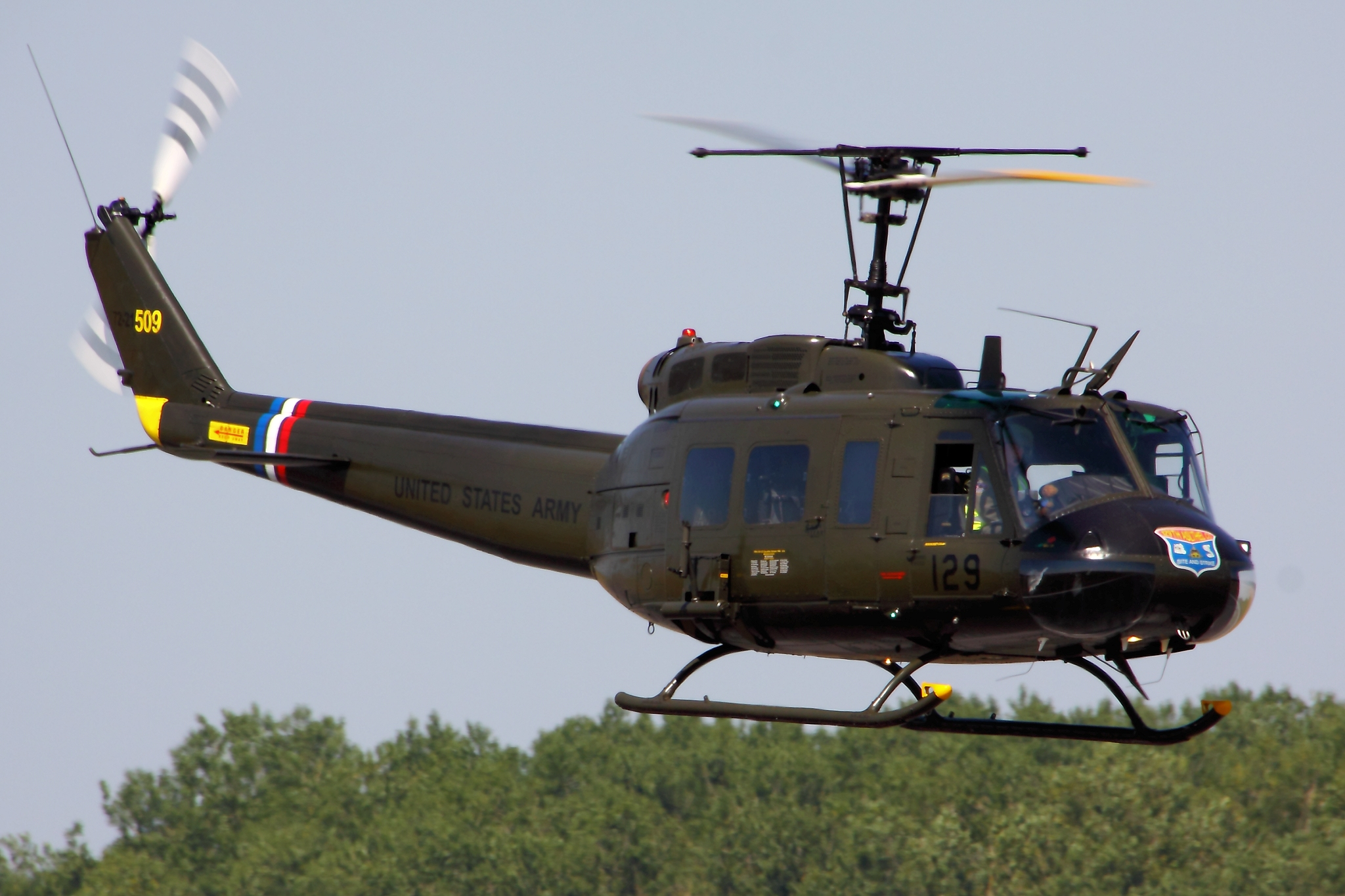 what is a helicopter with Helicopter Military Uh 1h Huey H on 1p plaview also Heliexpo17 asu moreover 2734962344 furthermore Piloter Helicoptere Montagne Cest Minutieux as well It 1035 11.