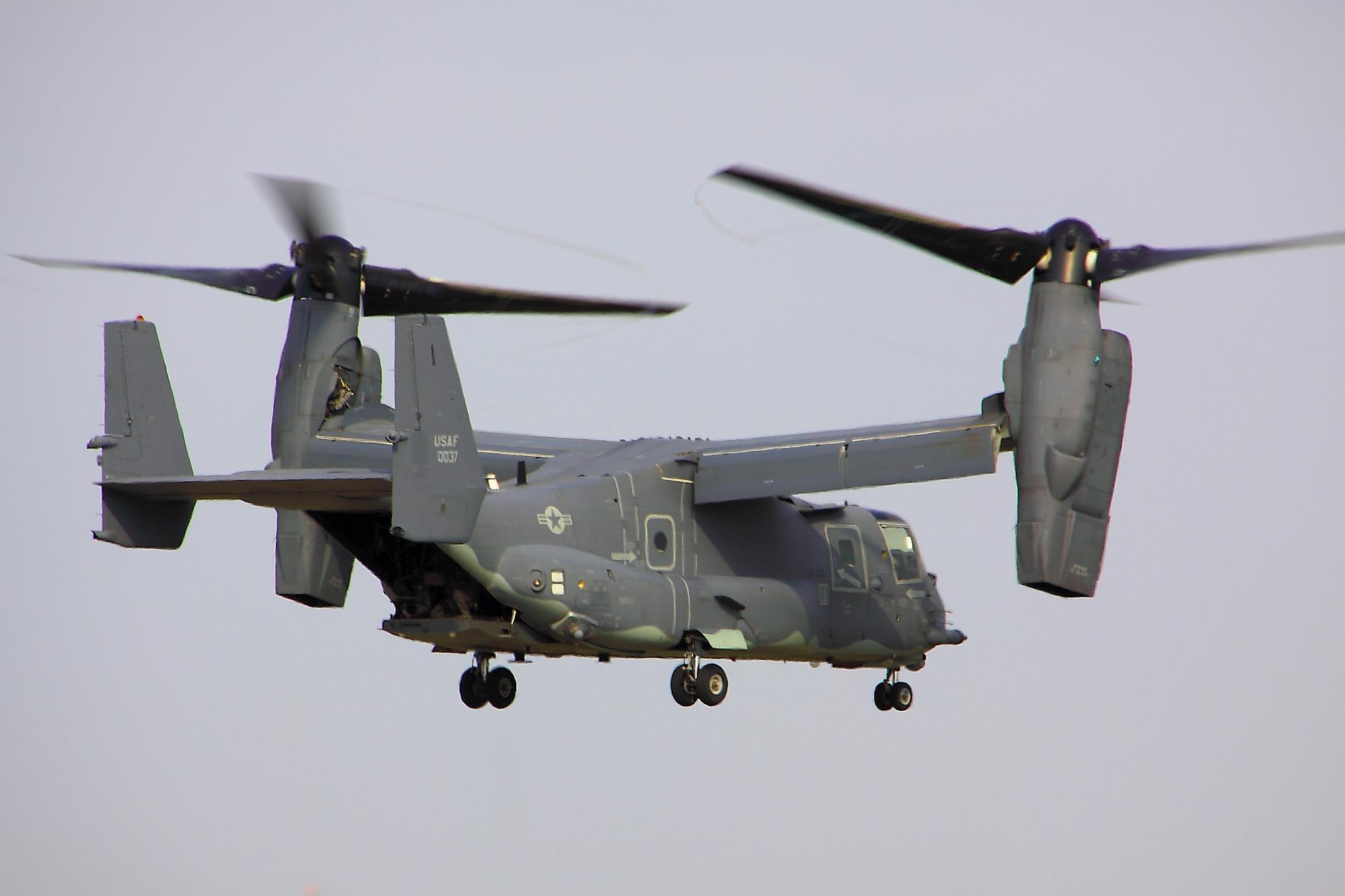 V22 Osprey military helicopter cargo transport plane f ...