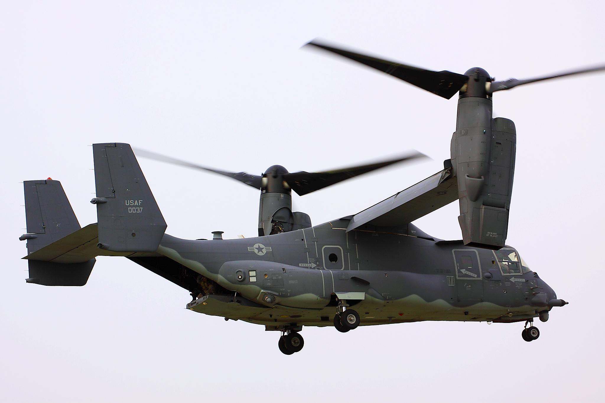 V22 Osprey military helicopter cargo transport plane ...