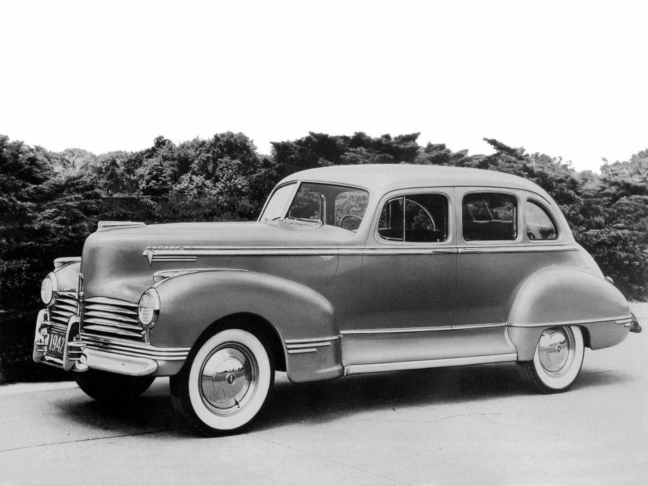1942 Hudson Commodore Eight Touring Sedan Series-24 retro wallpaper