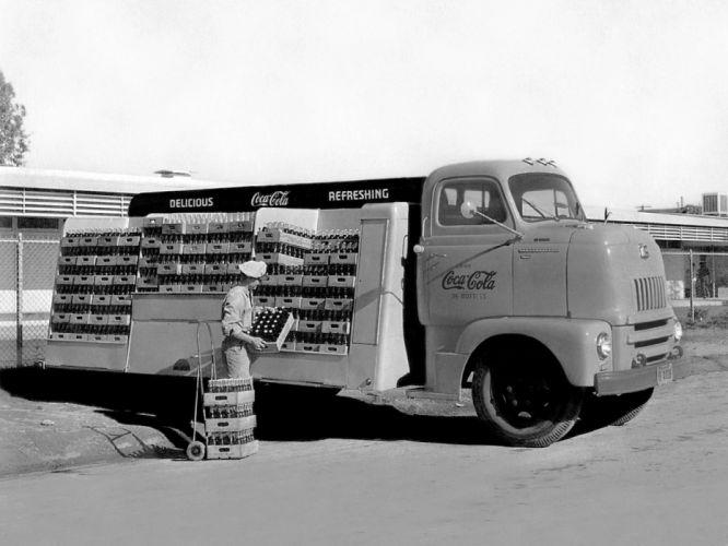 1950 International LC-160 retro wallpaper