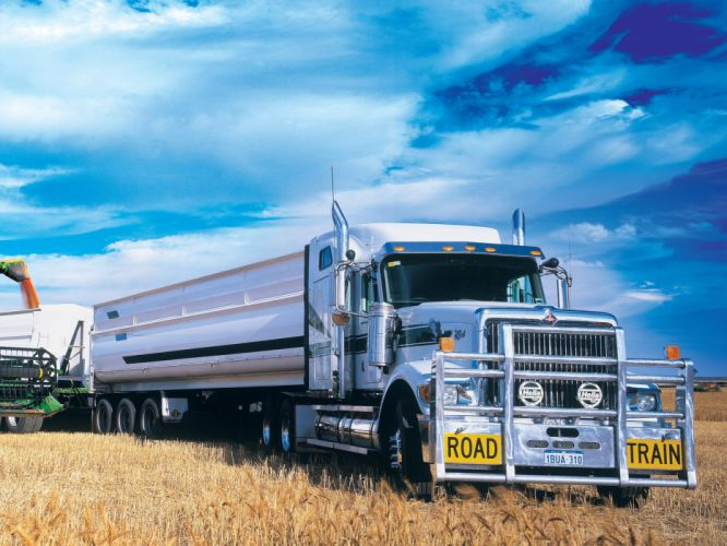 2004 International 9900i semi tractor r wallpaper