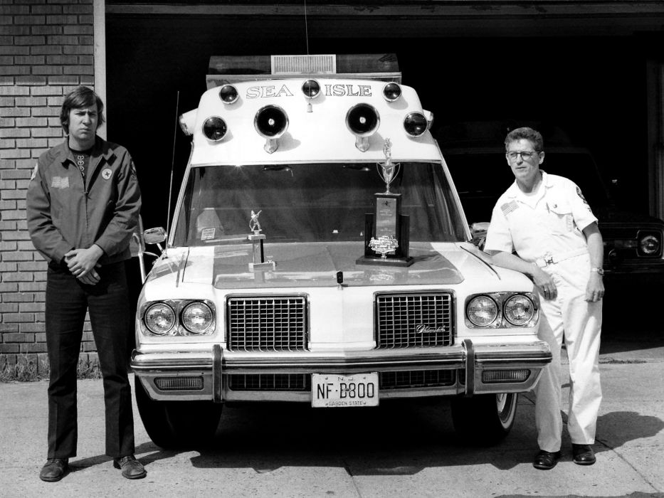 1974 Oldsmobile Delta 88 Ambulance stationwagon emergency wallpaper