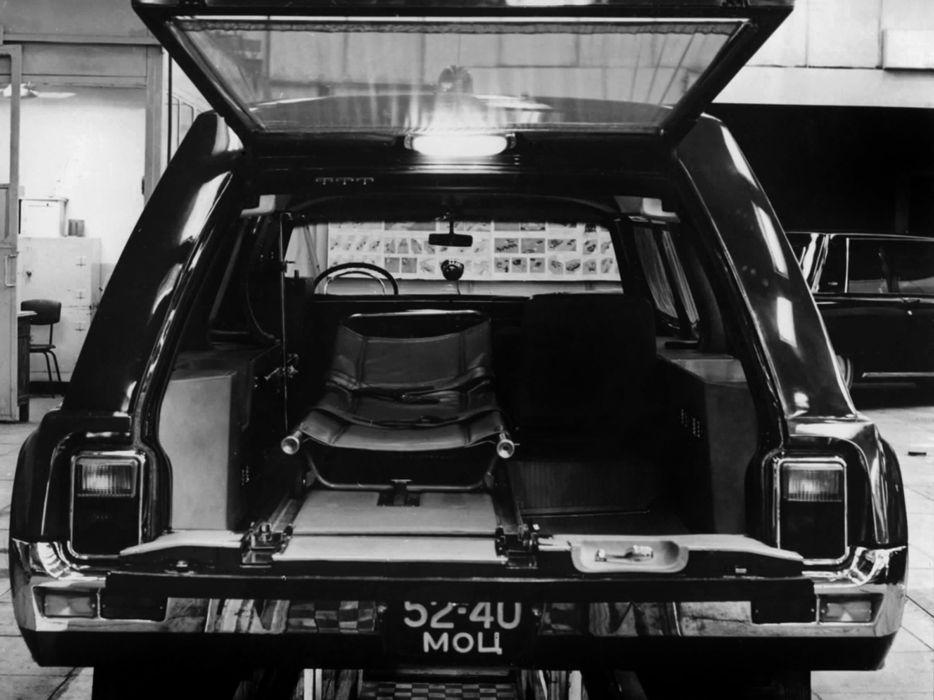 1975 ZIL 114A Ambulance stationwagon emergency Hearse interior wallpaper