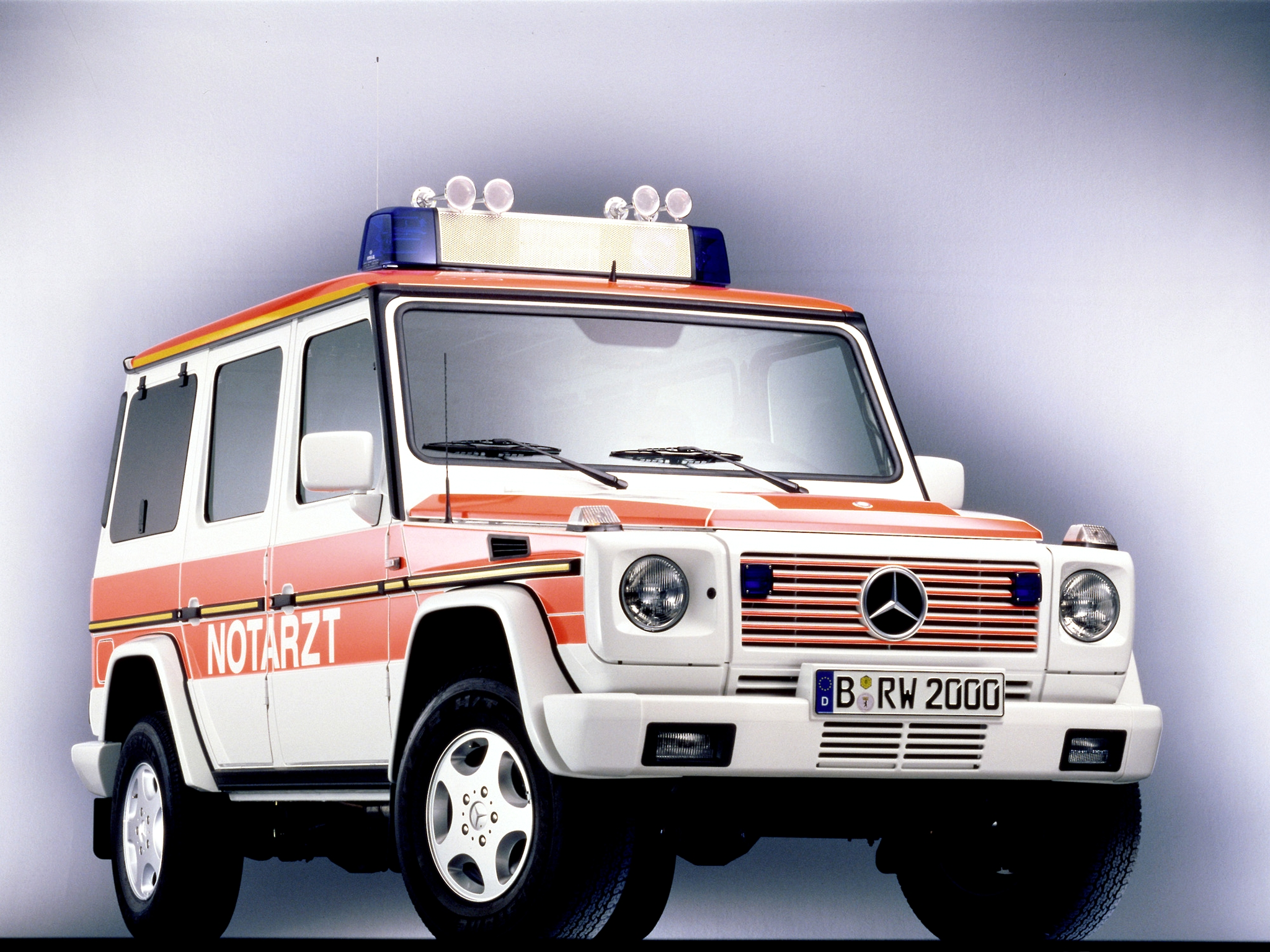 1993 mercedes benz g klasse notarzt w463 ambulance for Mercedes benz emergency