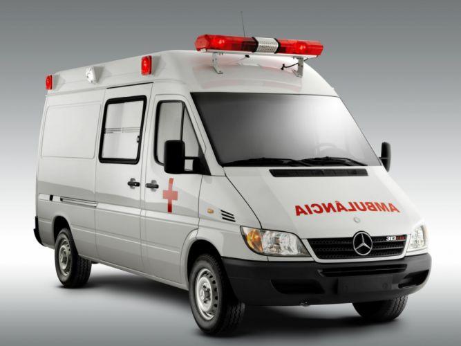 2002 Mercedes Benz Sprinter Street Ambulance BR-spec emergency wallpaper
