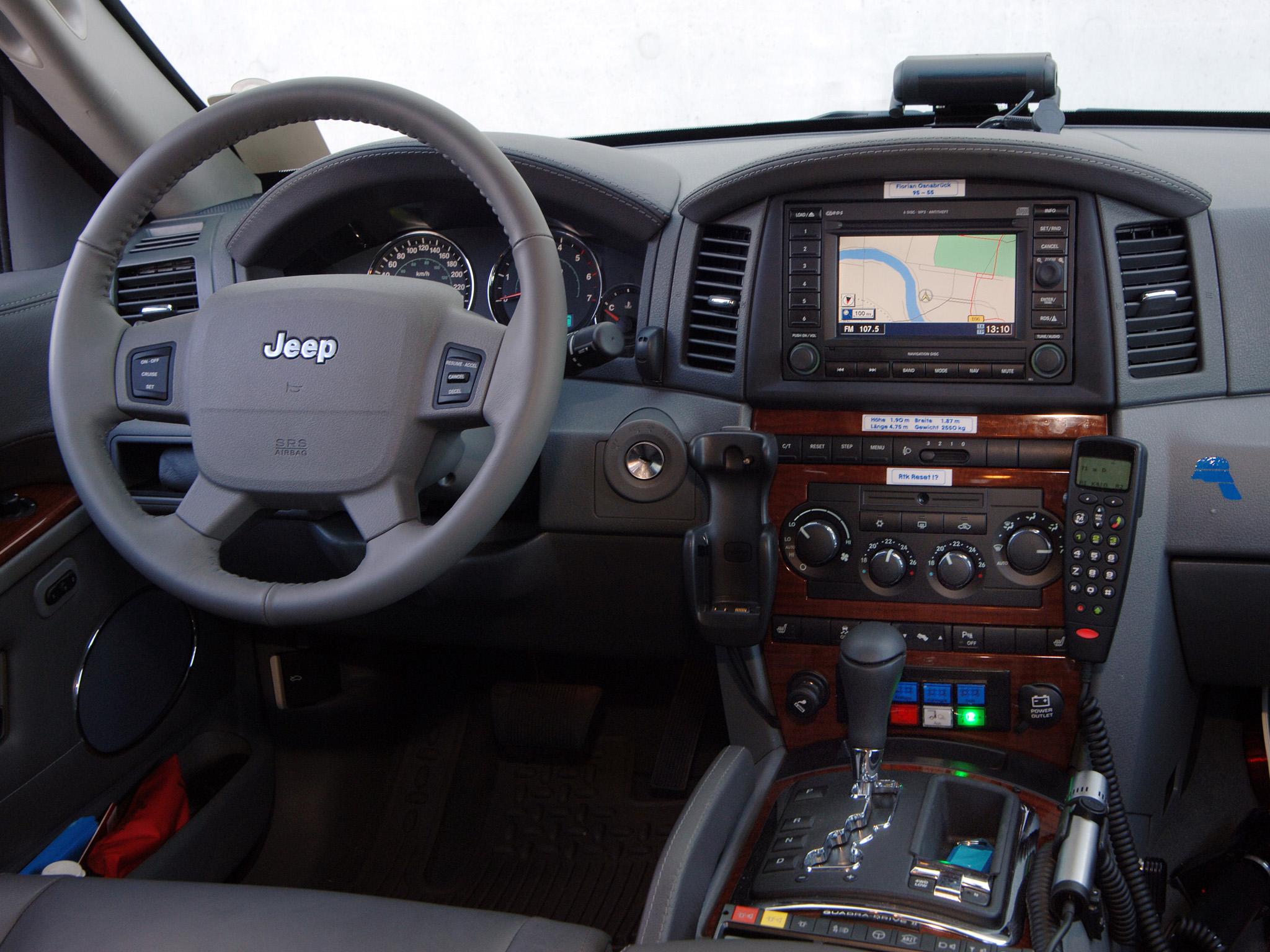 2005 Jeep Grand Cherokee Notarzt Wk Emergency Ambulance Firetruck Interior G Wallpaper