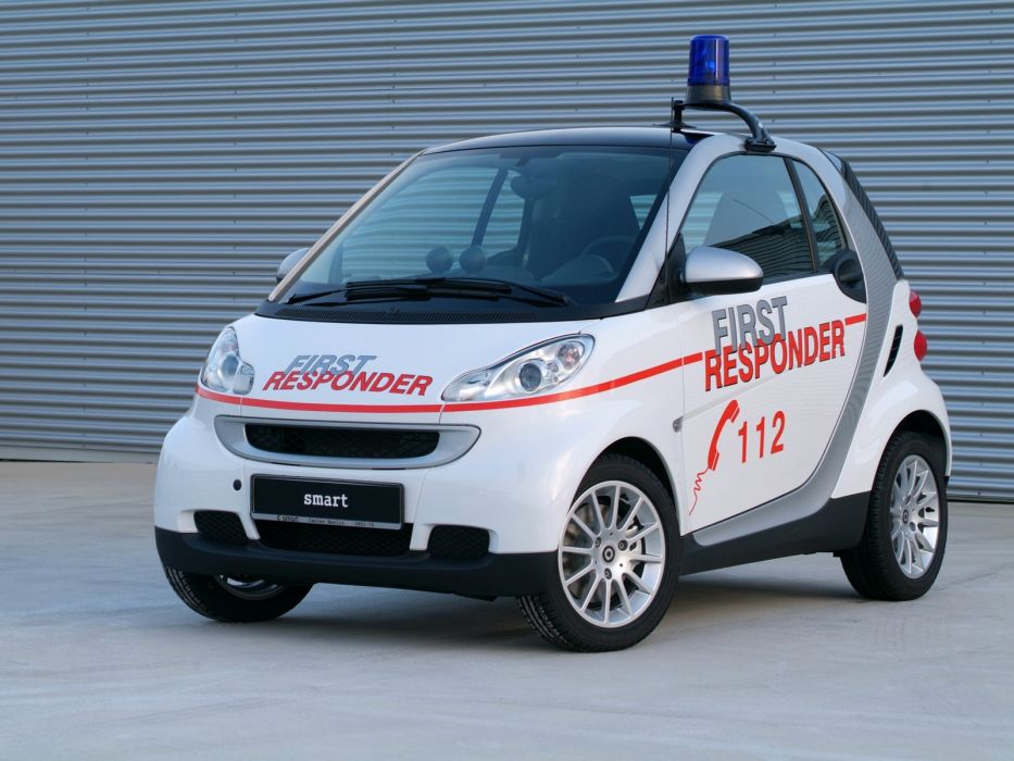 2007 Smart ForTwo First Responder emergency ambulance wallpaper