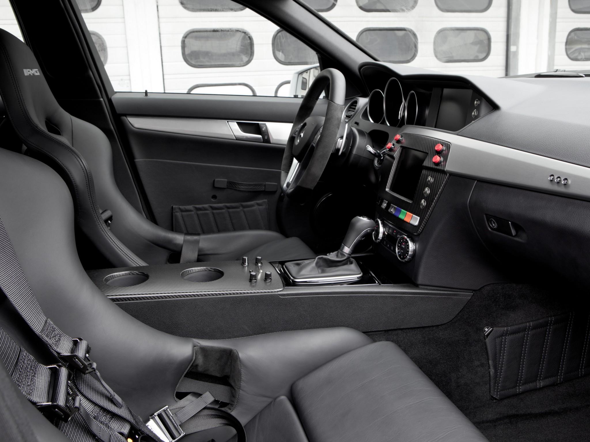 2011 mercedes benz c63 amg estate f 1 medical car s204 race racing formula one stationwagon. Black Bedroom Furniture Sets. Home Design Ideas