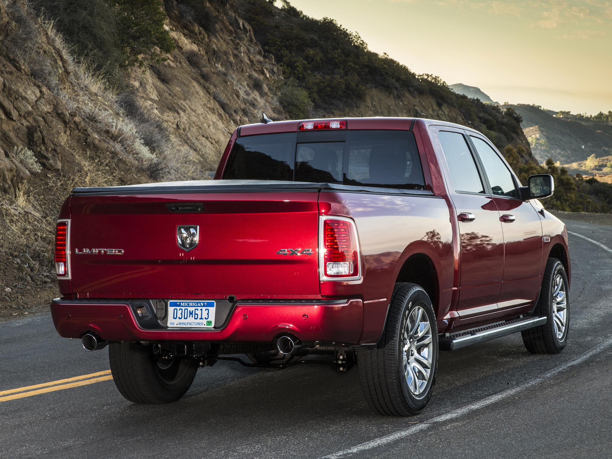 2014 Dodge Ram 1500 Laramie Limited Crew Cab 4x4 pickup wallpaper