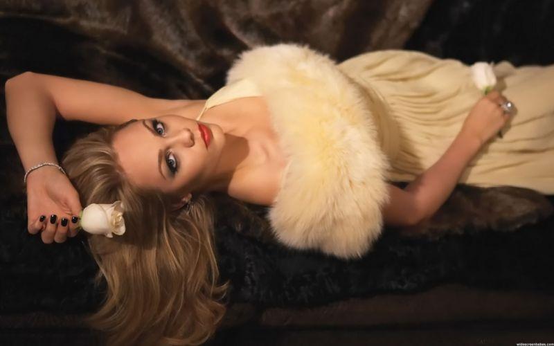 Woman Girl Beauty Laura Vandervoort Blonde Lying Long Hair Dress wallpaper