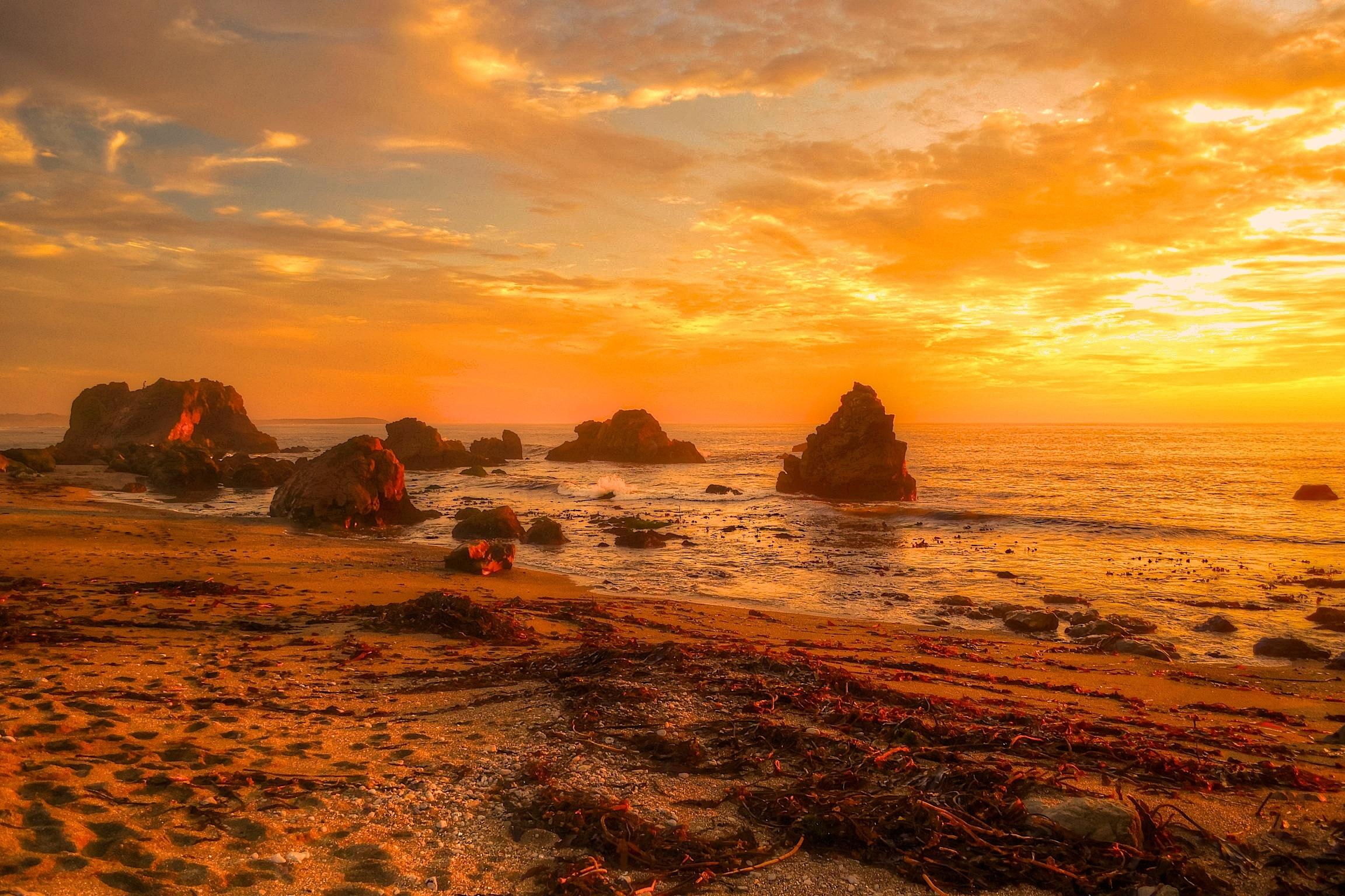 Автор: angel123 / размер: 2048x1360 / теги: закат, пейзаж, небо, отражение, паруса, море