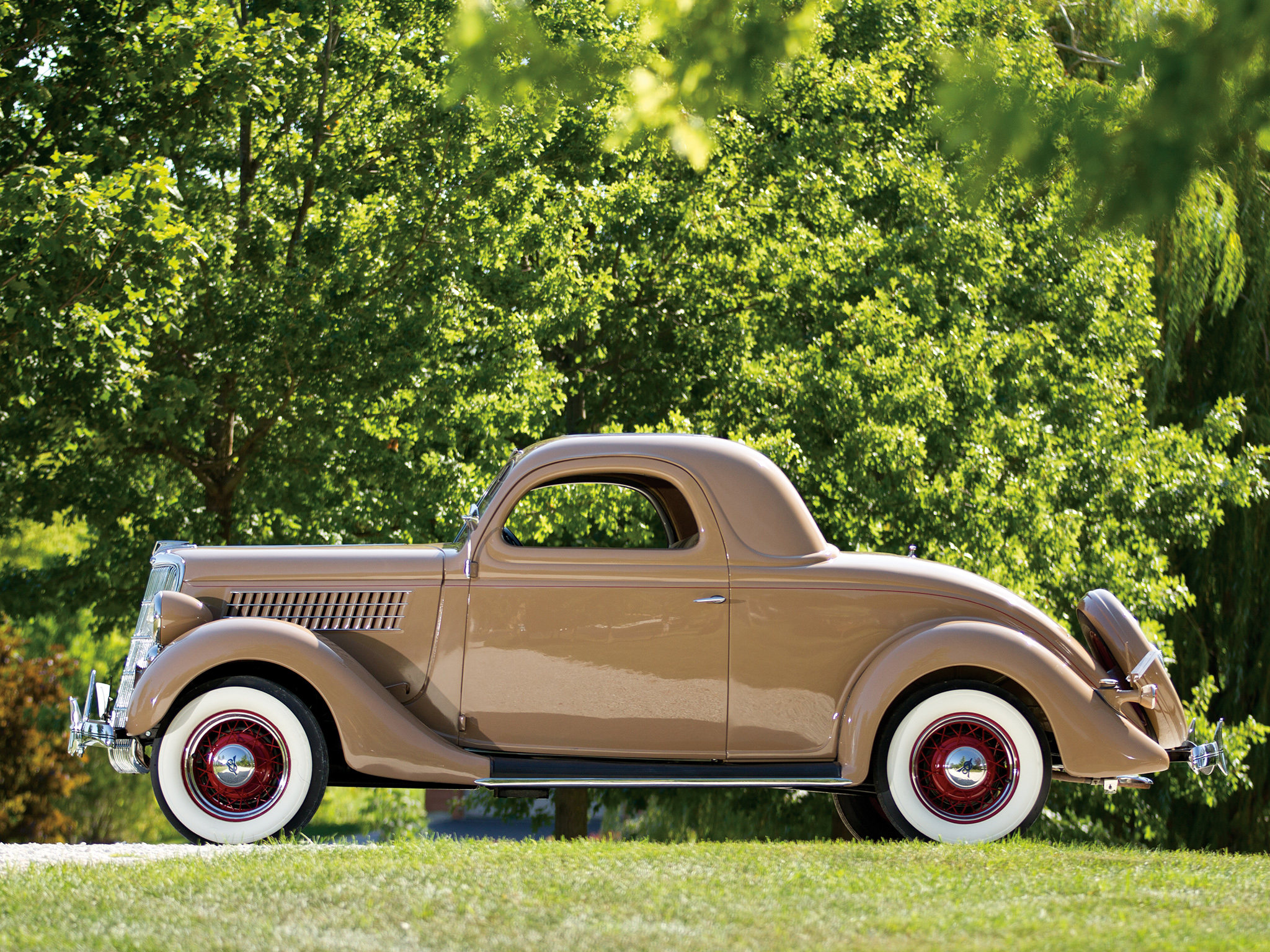 1935 ford v8 deluxe 3 window coupe 48 720 retro v 8 d for 1935 3 window coupe