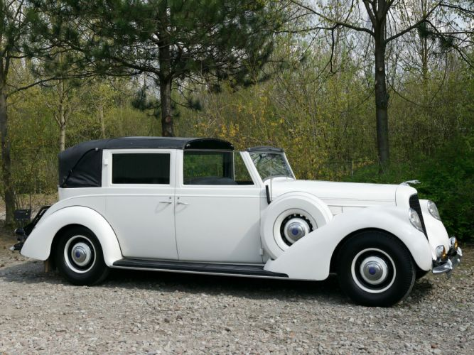 1937 Lincoln Model-K Semi-Collapsible Town Car by Brunn retro luxury f wallpaper