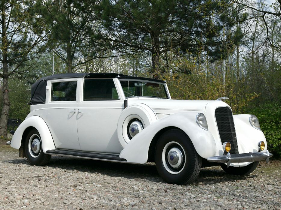 1937 Lincoln Model-K Semi-Collapsible Town Car by Brunn retro luxury wallpaper