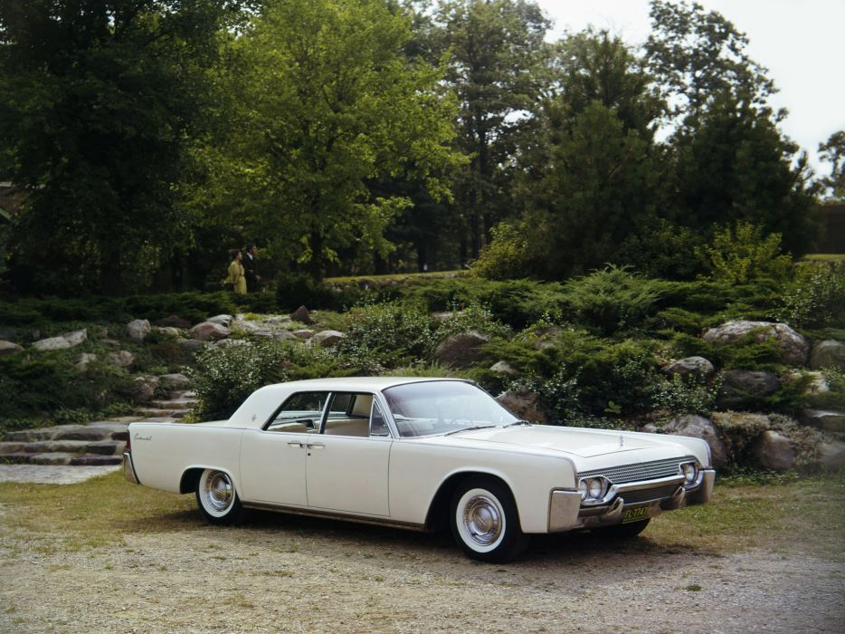 1961 Lincoln Continental Sedan 53D wallpaper