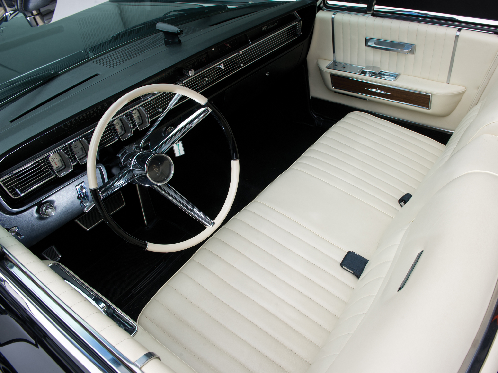 1965 lincoln continental convertible classic luxury for Interior pictures