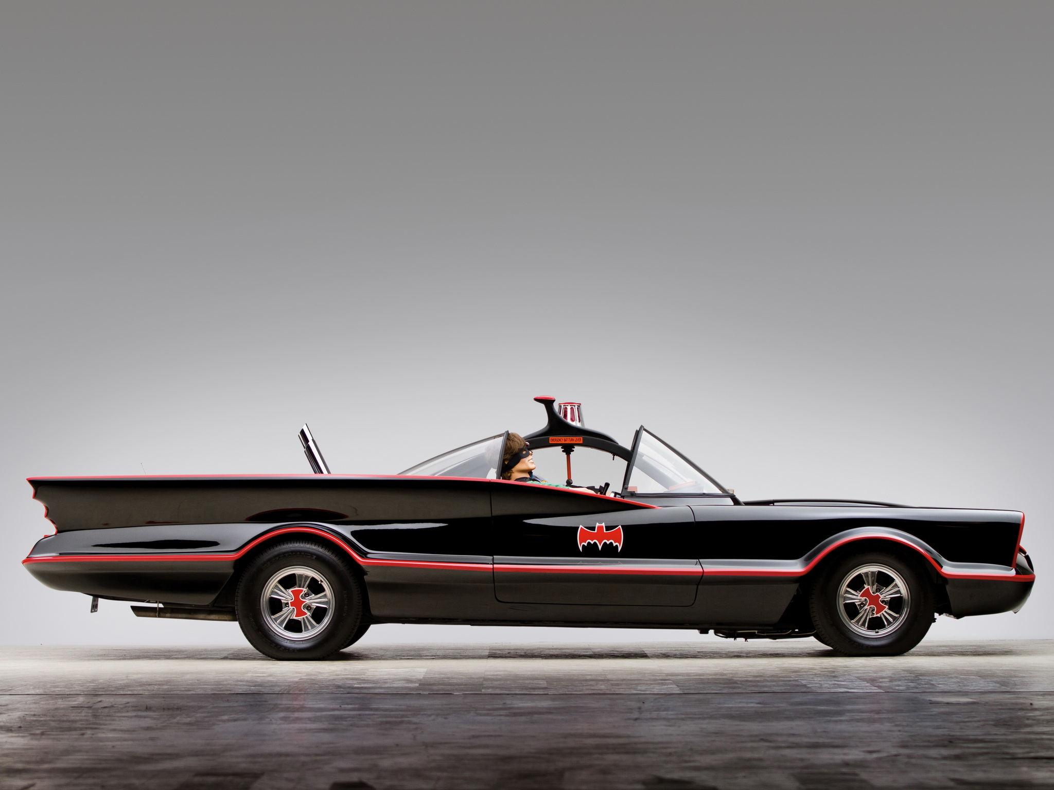 The story of BATMOBILE started with Lincoln Futura built by GHIA ...