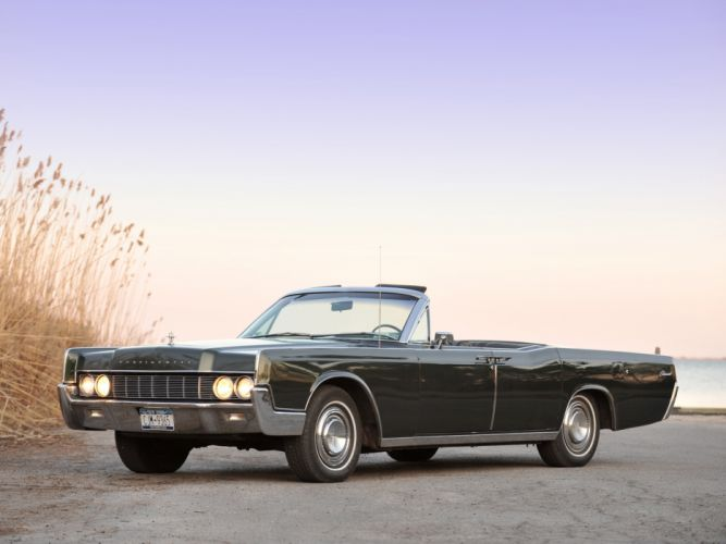 1967 Lincoln Continental Convertible classic luxury wallpaper