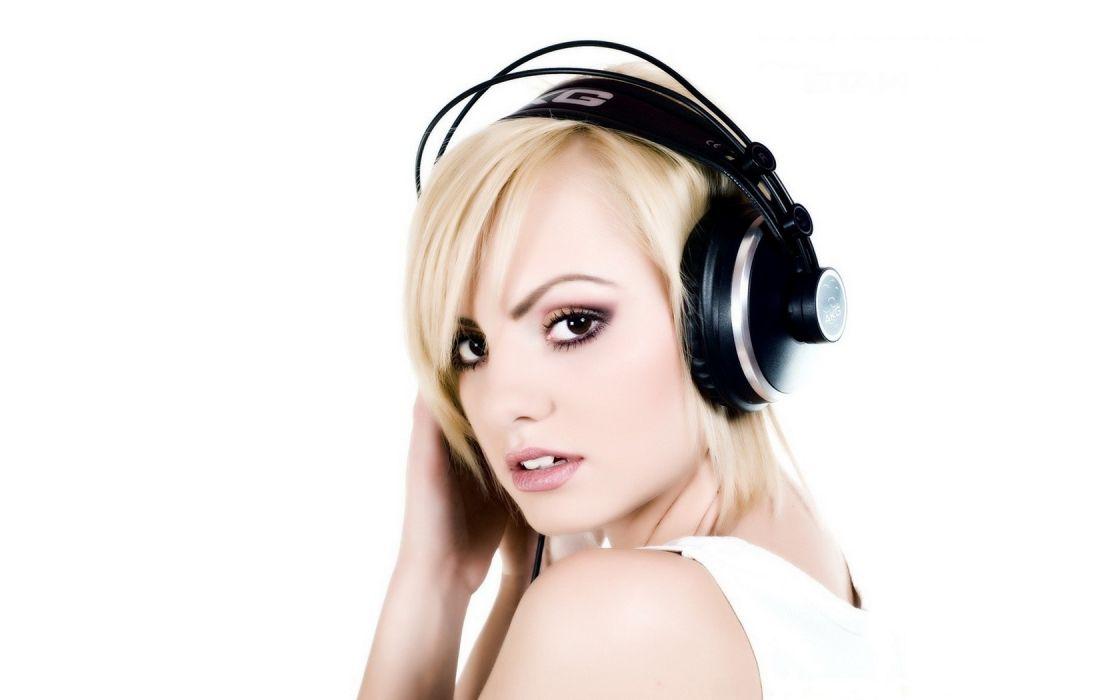 Girls and Music Alexandra Stan Blonde wallpaper