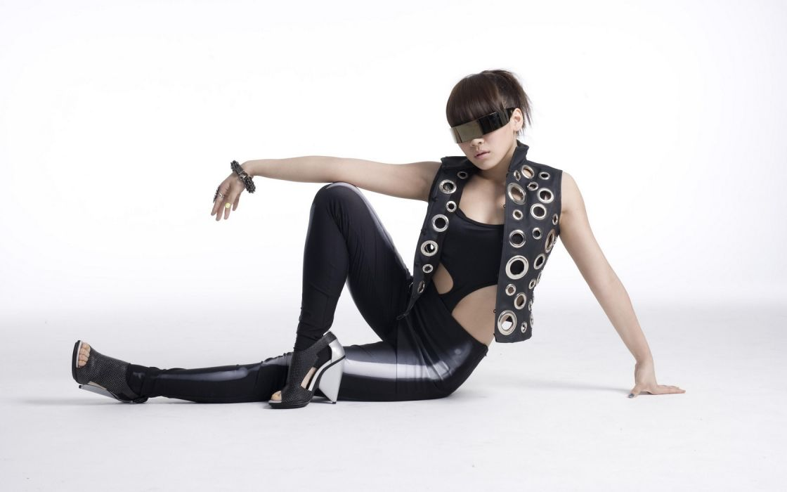 Woman Girl Beauty Asian Sunglasses High Heels 2NE1 Band K-Pop wallpaper