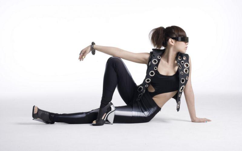 Woman Girl Beauty Asian Sunglasses High Heels 2NE1 Band K-Pop wallpaper