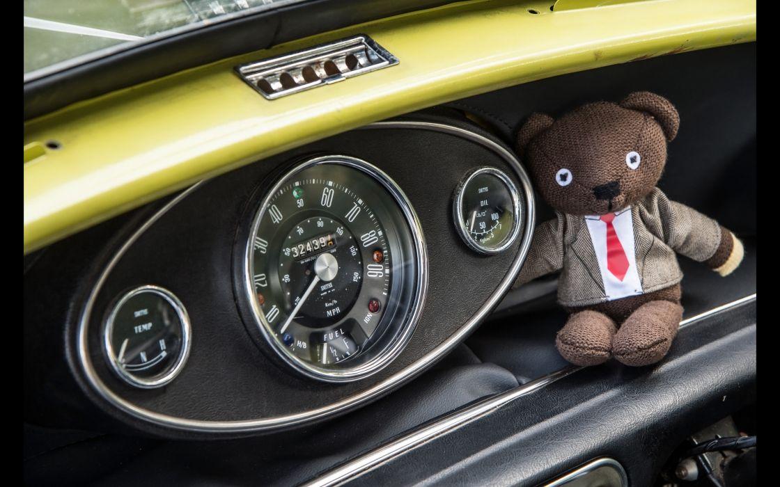 1974 Mr Beans Mini Cooper Mark III humor concept teddy bear wallpaper