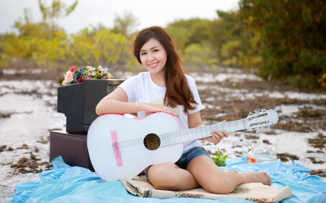 Girls And Music wallpaper