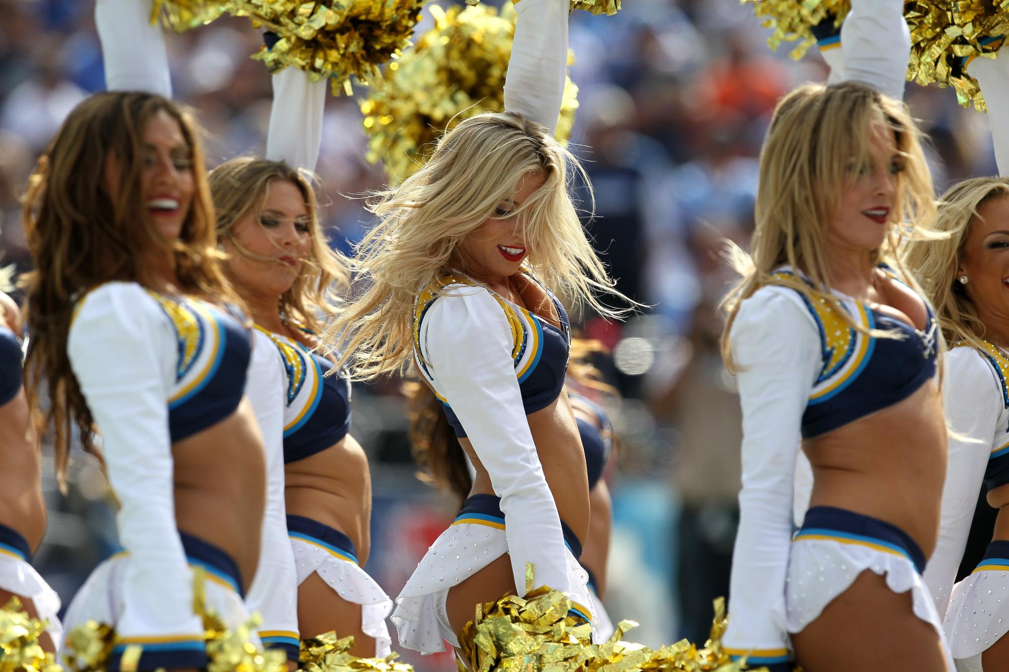 Cheerleader Nfl Football R Wallpaper 2000x1333 156389