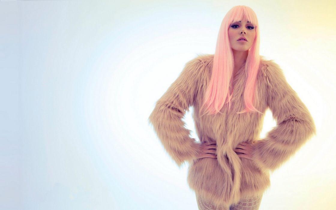 Woman Girl Beauty Pink Hair Lucy Pinder Fur Coat wallpaper