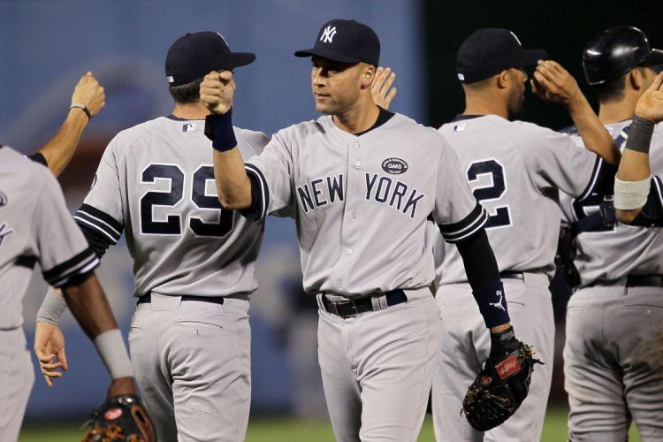 NEW YORK YANKEES baseball mlb hw wallpaper