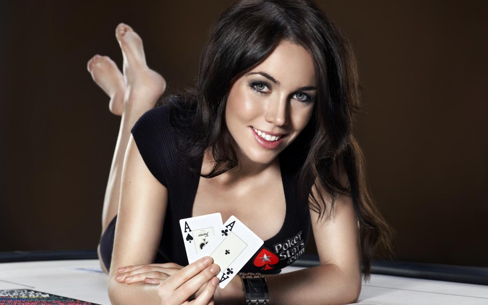 Фото покерных девушек