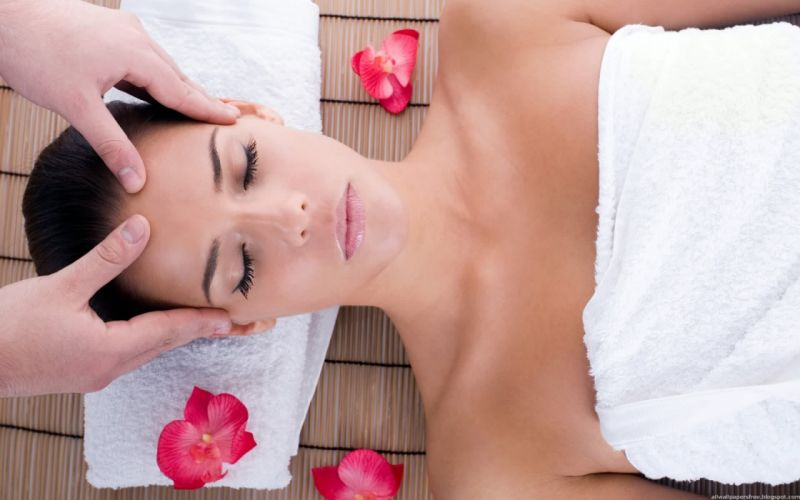 Woman Girl Beauty Brunette Head Massage wallpaper